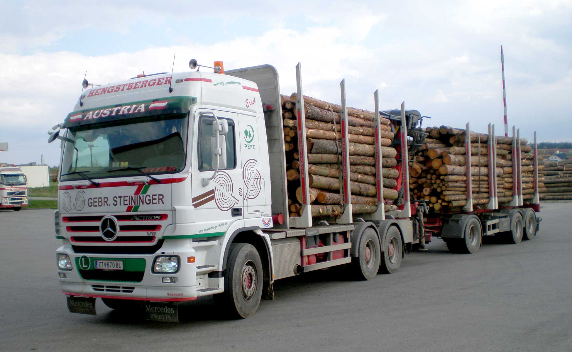 Hengstberger Holztransporte Schleifholz